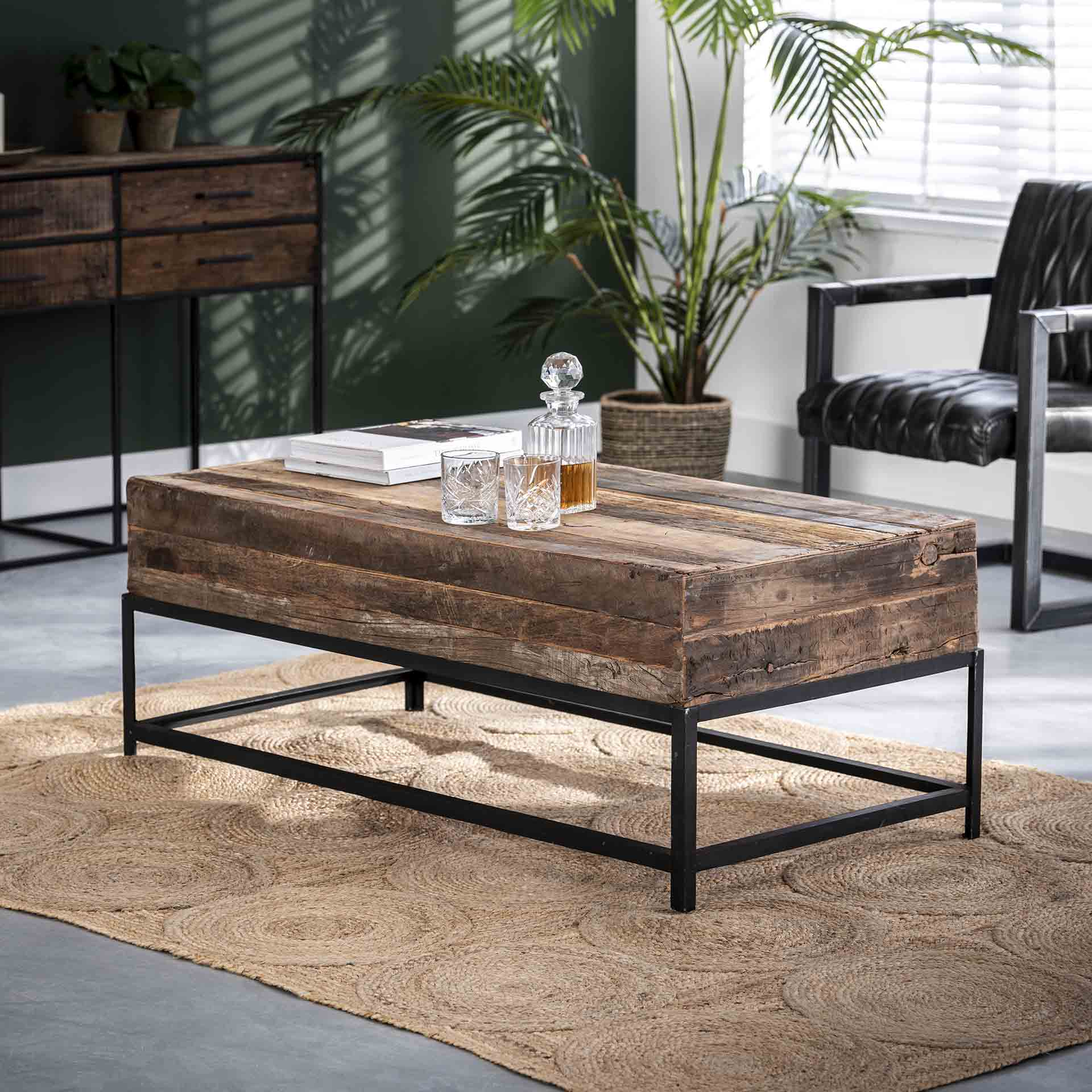 Couchtisch - Lounge - aus recyceltem Holz
